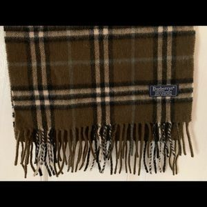 Authentic Burberrys of London 100% Cashmere Scarf